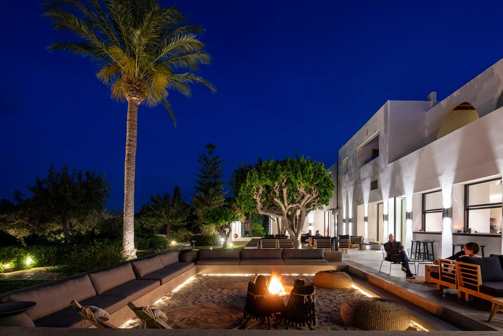 minos beach hotel exterior2