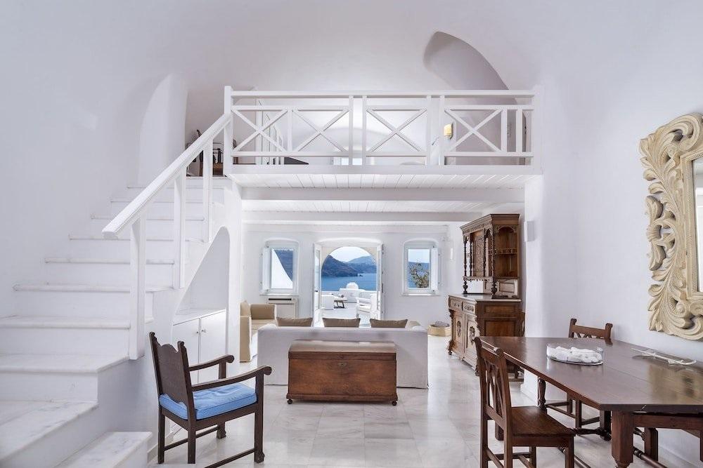 canaves oia hotel santorini