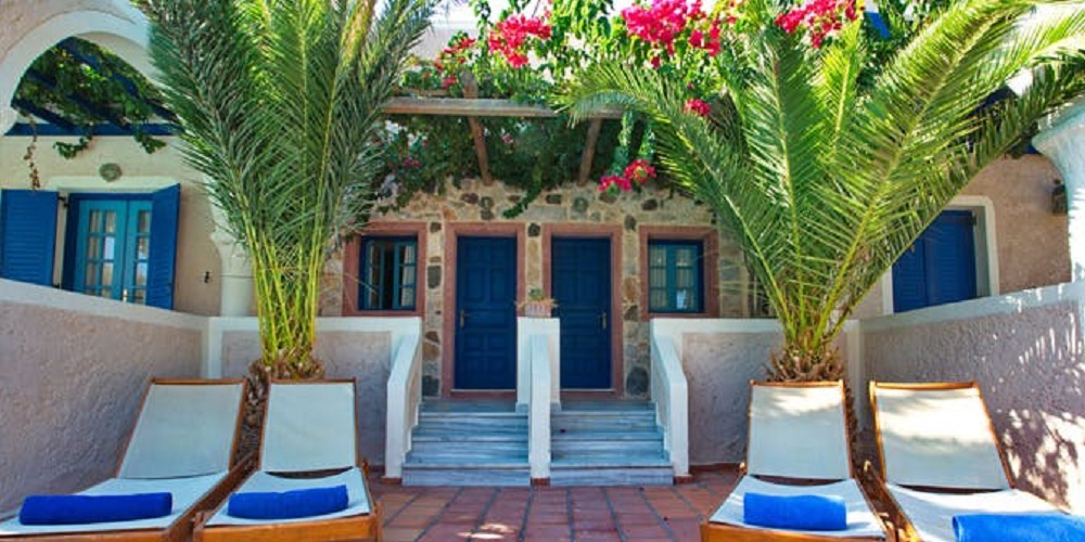 boathouse hotel santorini